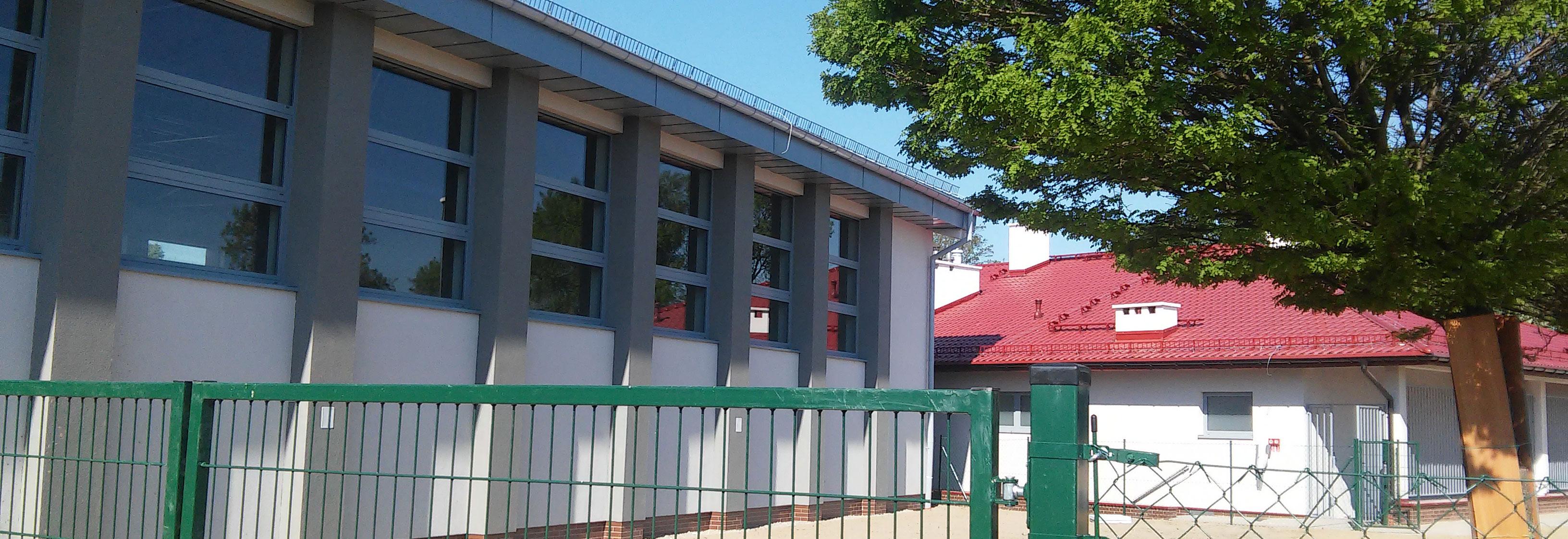 Budowa sali gimnastycznej w Dobrzeniu zmierza ku końcowi