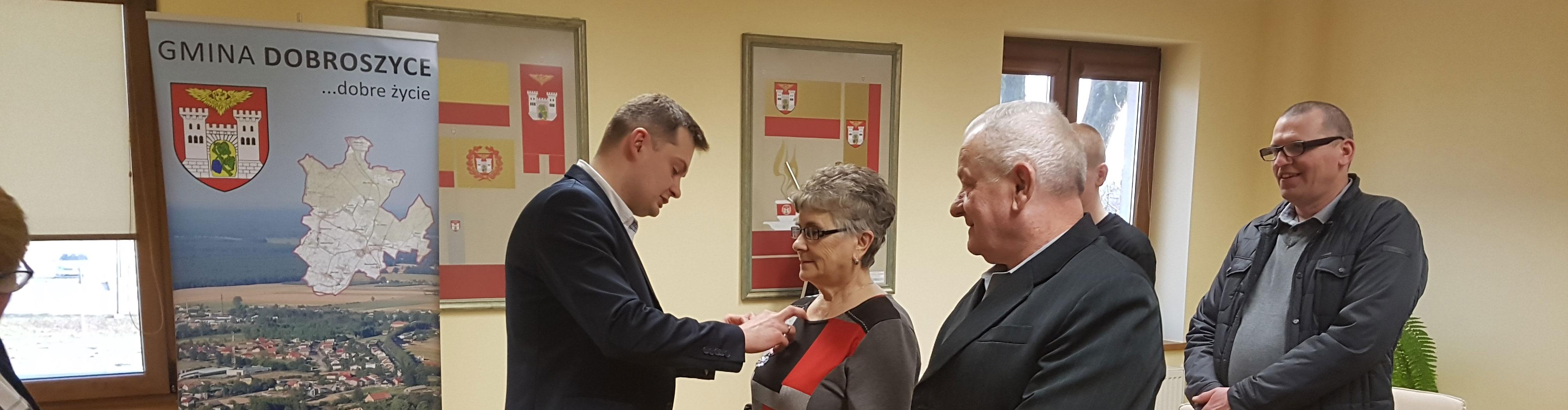 Medale za długoletnie pożycie małżeńskie Państwa Teresy i Ryszarda Paciorek