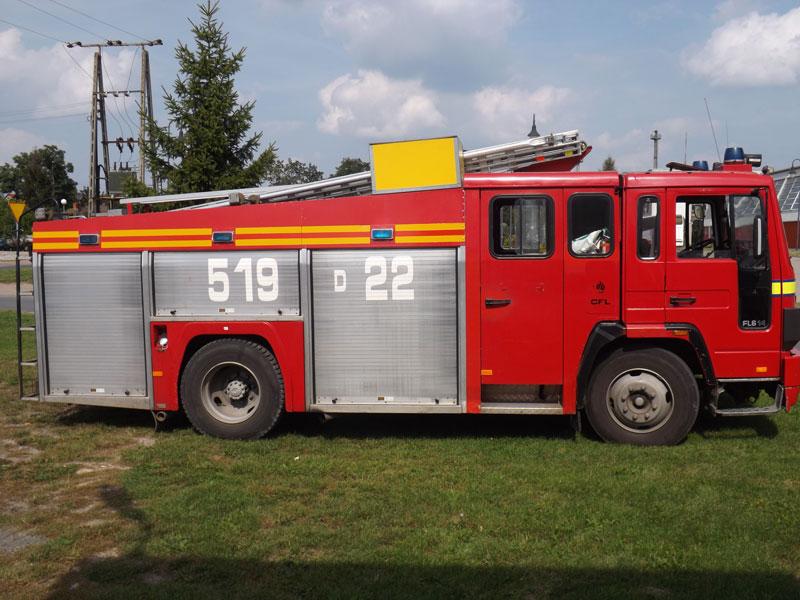Wójt Gminy Dobroszyce ogłasza ofertę sprzedaży samochodu pożarniczego marki VOLVO FL 614