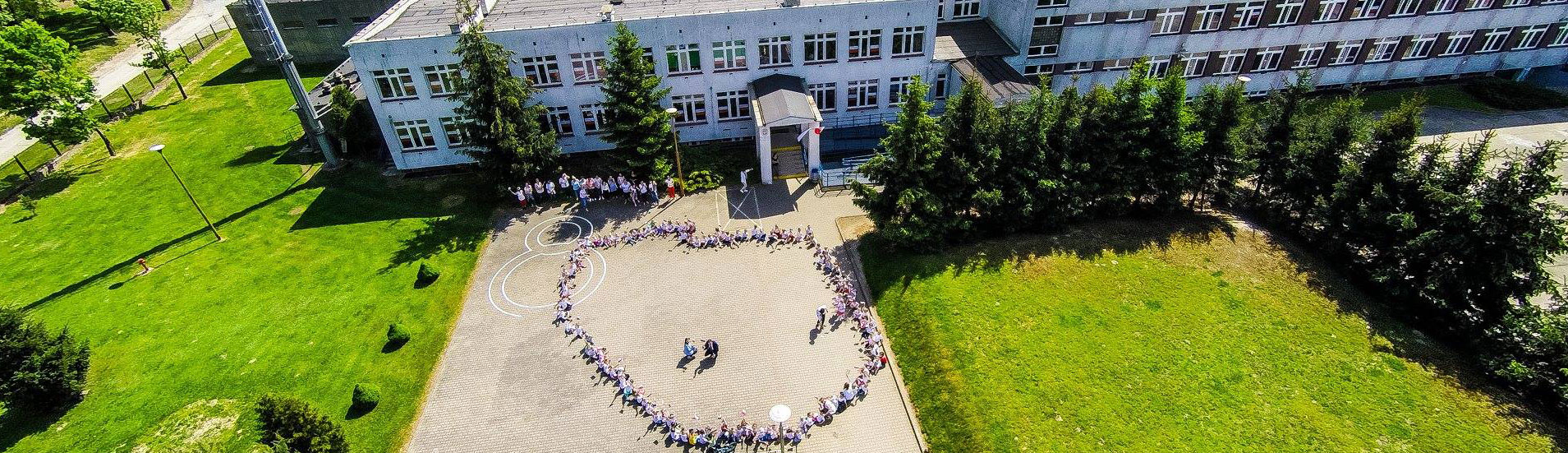 Przedszkolaki Świętują Dzień Flagi