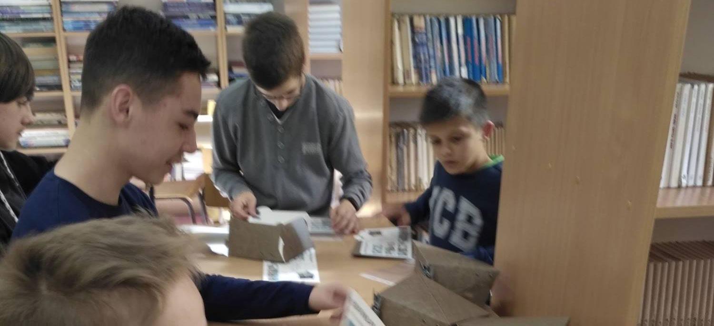 Biblioteka szkolna w Dobroszycach uczestniczy w obchodach setnej rocznicy odzyskania niepodległości