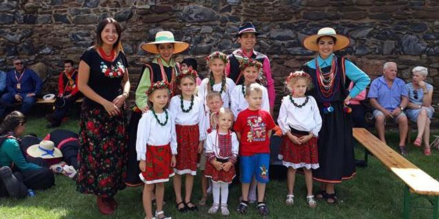 Zespół Różyczki na festiwalu w Strzegomiu
